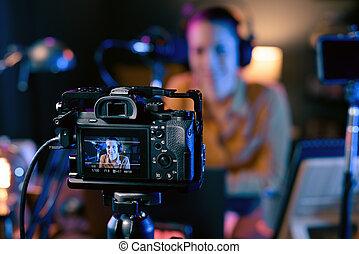 彼女, youtuber, ビデオ, レコーディングスタジオ