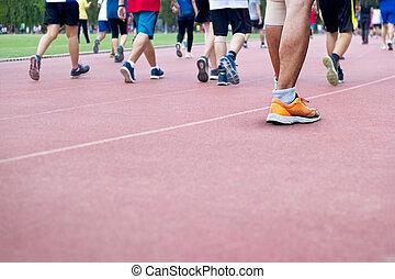 很多, 在中, 人们, 走, excercise, 在上, runing, 轨道, 背景, 空白, 正文