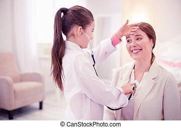 很少, 漂亮, 女儿, ......的, 全科醫師, 玩, 由于, 她, 母親