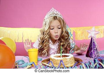 很少, 白膚金發碧眼的人, 女孩, 在, a, 生日聚會
