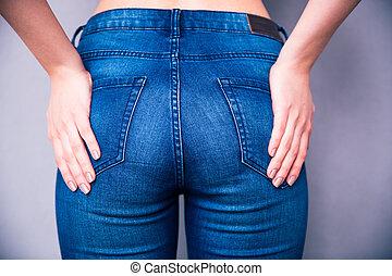 後面 看法, 肖像, ......的, a, woman`s, 身体部分, 在, 牛仔褲