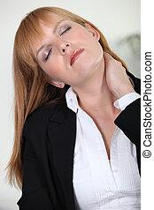 從事工商業的女性, 由于, 脖子, 疼痛