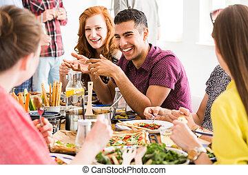 微笑の人, 食べる, 遅い, 食物