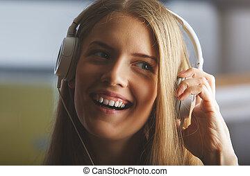 微笑の女の子, ∥で∥, ヘッドホン