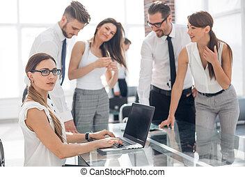 微笑の 女性, ビジネスオフィス, 仕事場