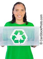 微笑の 女性, 寄付, a, リサイクル, 箱, カメラに