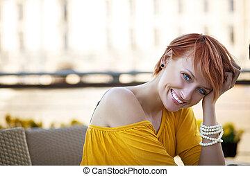 微笑の 女性, 待つこと