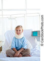 微笑的 女孩, 坐, 上, a, 醫院床