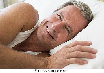 微笑, あること, ベッド, 人