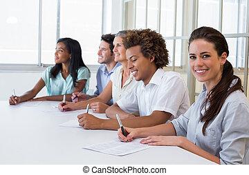 微笑, カメラ, 労働者, 取締役会議