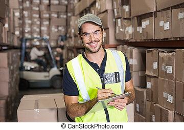 微笑, クリップボード, カメラ, 労働者, 倉庫