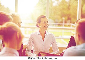 微笑, ミーティング, オフィス, ビジネス 人々