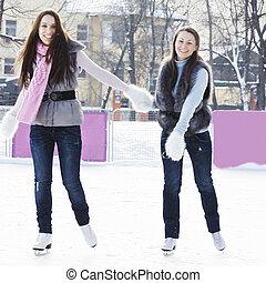 微笑, 冰溜冰场, 妇女