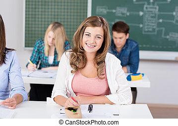 微笑, 女子学生, クラスで
