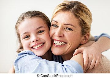 微笑, 家族, 抱き合う, 幸せ