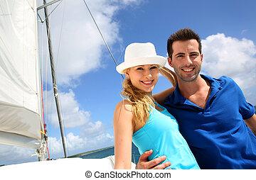 微笑, 富有, 年輕夫婦, 上, a, 帆船, 在, 加勒比海海