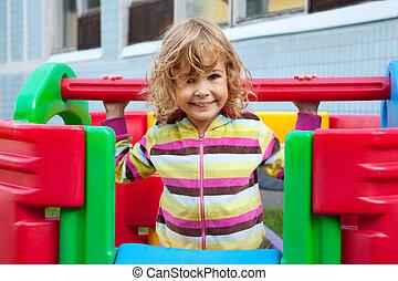 微笑, 小さい子供, 遊び, 屋外で