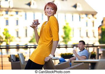 微笑, 年輕夫婦, 在, 餐館