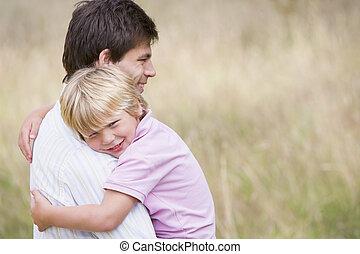 微笑, 息子, 父, 保有物, 屋外で