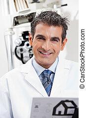 微笑, 目, 友好的な医者