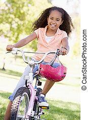 微笑, 自転車, 若い 女の子, 屋外で