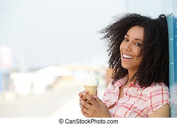 微笑, 若い女性, ∥で∥, アイスクリーム