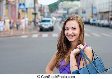 微笑, 買い物, 若い 女の子, 屋外で