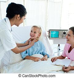 微笑, 醫生, 參加, a, 年輕的病人