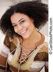 微笑, african american, 若い女性, ∥で∥, 巻き毛の髪