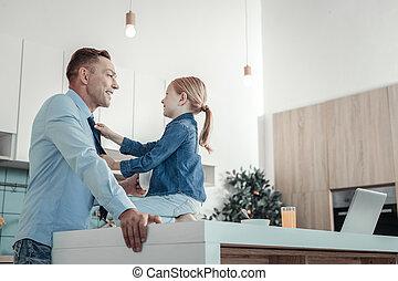 心づかい, 地位, daughter., 父, 微笑, 美しい