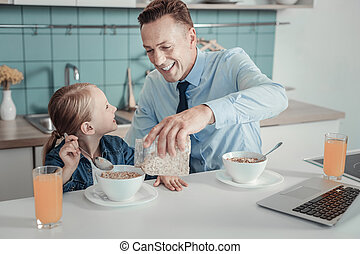 心づかい, 彼の, daughter., 供給, 微笑の人, ハンサム