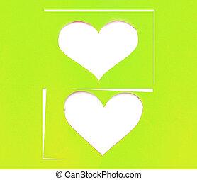 心, 上に, 引き裂かれた, 山, 形, ペーパー, 緑の背景, 白, シンボル
