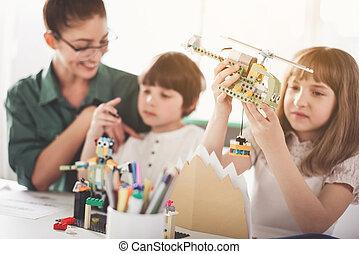 快樂, 老師, 以及, 孩子, 玩玩具