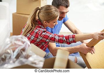 恋人, の上, 引っ越し, 終わり, 家具, 荷を解くこと