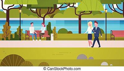 恋人, の, ビジネス 人々, 屋外で, 歩くこと, 中に, 公衆, 都市, 公園, 弛緩