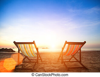恋人, の, 浜の 椅子, 上に, 海, coast.