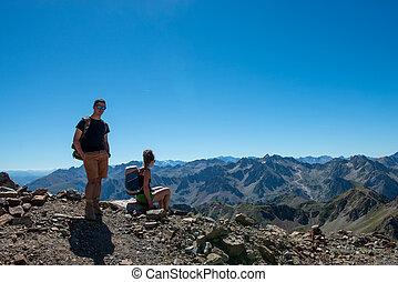 恋人, ハイカー, 山, フランスのピレネー山脈