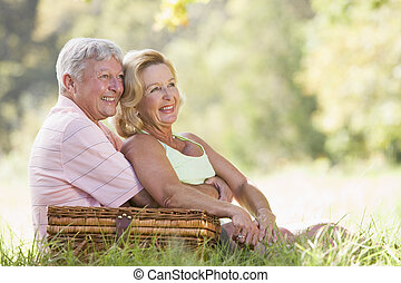 恋人, ピクニック, 微笑