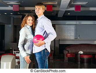 恋人, プレーする, 若い, ボウリング