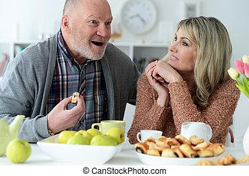 恋人, モデル, 幸せ, テーブル, シニア, 台所