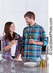 恋人, 台所, 飲む ワイン