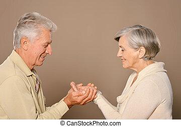 恋人, 年配, 手を持つ