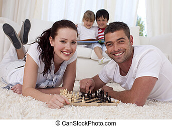 恋人, 床, リビングルーム, チェス, 遊び, 幸せ
