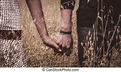 恋人, 手を持つ