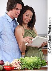 恋人, 料理の本, 台所, 監視