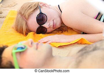 恋人, 浜。, ティーネージャー, 睡眠