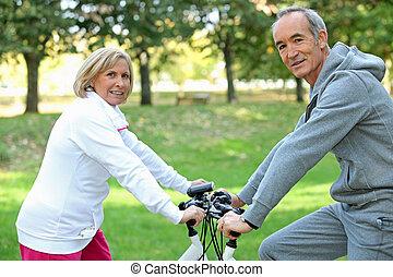 恋人, 自転車, 中年, 乗車