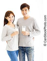 恋人, 若い, ミルク, アジア人, 微笑, 飲むこと