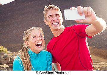 恋人, 運動, 写真, selfie, 若い, 魅力的, 電話, 作成, 彼ら自身, 取得, 痛みなさい