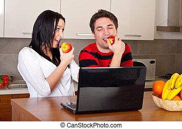 恋人, 食べること, りんご, そして, 持つこと, 会話